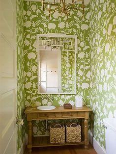 Декор вокруг зеркала в ванной от Мег Брафф (Meg Braff)