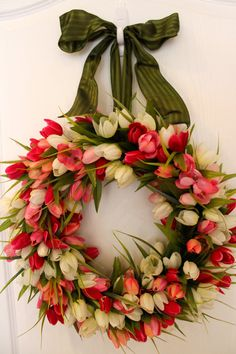 Perfect Easter Wreath! | Spring Fields of Pink Tulips Wreath | by bellabeadboutique @Etsy