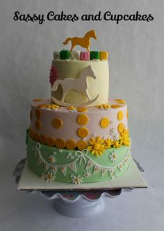 Happy Full Moon cake - Cake by Sassy Cakes and Cupcakes (Anna)