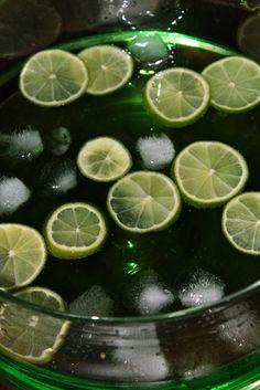 raikasta juomaa, alkoholilla ja ilman