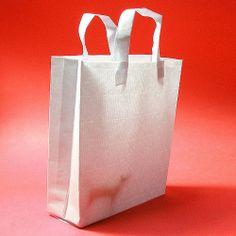 Is your Preschooler Bored? It's Paper Bag Activity Time! Book Worms, Paper Shopping Bag, Activities For Kids, Preschool, Child Friendly, Picnic, Bags, Handbags, Children Activities