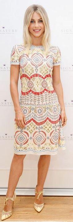 Julianne Hough: Dress – Naeem Khan  shoes – Bionda Castana  Bracelet – Jennifer Meyer