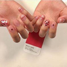 """좋아요 1,005개, 댓글 4개 - Instagram의 네일어라모드 Nail A La Mode(@nailalamode)님: """"- 항상 사랑받는 디자인❤️ - #네일어라모드 #스테디셀러 #nailstyle #nailsdesign #하트네일 #네일디자인 #❤️ #heartnails"""""""