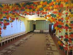 Jungle Decorations, School Decorations, Diy Halloween Decorations, Easy Christmas Crafts, Christmas Crafts For Kids, Fall Tree Painting, Easter Flower Arrangements, Thankful Tree, Fall Preschool