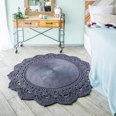 Videopattern tutorial/pattern crochet rug from cord Video Crochet Doily Rug, Crochet Rug Patterns, Crochet Carpet, Crochet Motifs, Crochet Round, Modern Crochet, Blue Carpet, Diy Carpet, Rugs On Carpet