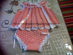 CROCHET DE ANTONIA: VESTIDOS NIÑA DE CROCHET DE 6 A 12 y 24 MESES Crochet Baby, Crochet Bikini, Baby Patterns, Crochet Clothes, Crochet Stitches, Bikinis, Swimwear, Free Pattern, Baby Dresses