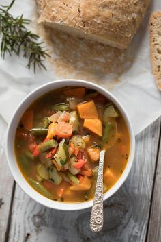 Vegan Easy Spicy Vegetable Soup // Spicy things are good for 2 reasons (other than being healthy). They burn fat and they warm you up. So this soup is truly an A+ winter weight loss recipe.   The Green Loot #vegan #cleaneating #weightloss