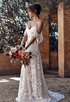 Sol Grace Loves Lace Jurkjurk Bruid Bridal Rok Mode Bruiloft … - Fashion for teens Grace Loves Lace, Bridal Skirts, Top Wedding Dresses, Bridal Gowns, Lace Dresses, Dress Lace, French Wedding Dress, Bridal Lace, Indie Wedding Dress