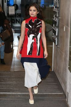 March in London - Celebrity Fashion Trends