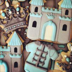 Little prince baby shower cookies Castle Princess Crown Tiara Bolacha Cookies, Galletas Cookies, Baby Cookies, Baby Shower Cookies, Iced Cookies, Cute Cookies, Royal Icing Cookies, Birthday Cookies, Cupcake Cookies