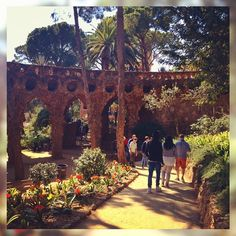 Taking a walk in a paradise  #gaudi #guell #Barcelona #spain #family #beautiful #garden #travel #blogger #sun #nice