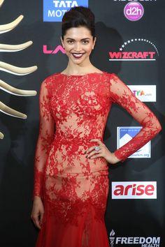Deepika Padukone Looks Smoking In Red Dress Hot At IIFA Awards 2014 In Raymond James Stadium, Tampa, FL more @ http://www.luvcelebs.com