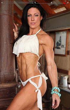#Bikinimodel Shannon Petralito mit krasser Form :) Die Nr. 1 im Bereich #Fatburner: http://j.mp/fatburner-1
