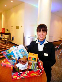 """#HOTELS #SWD #GREEN2STAY Radisson Blu Hotel, Rostock Ricarda hat ihren Schuhkarton schon gepackt! Machen auch Sie Kindern in Not eine besondere Freude und stellen Sie - ob privat, als Unternehmen oder als Schule – Ihr persönliches Päckchen zusammen. Als Hauptannahmestelle für """"Weihnachten im Schuhkarton"""" schicken wir alle Pakete am 15.11.2015 auf die Reise. Weitere Informationen finden Sie unter: https://www.geschenke-der-hoffnung.org/  Gemeinsam wollen wir die Rekordzahl..."""