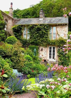 Amazing Ideas French Country Garden Decor – Home Decor Ideas English Country Cottages, English Country Gardens, English Countryside, English Cottage Exterior, Garden Cottage, Home And Garden, Farm Cottage, Garden Living, Cottage Ideas