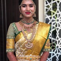 Bridal Sarees South Indian, Bridal Silk Saree, Indian Bridal Outfits, Indian Bridal Fashion, Silk Sarees, Kanjivaram Sarees, Wedding Saree Blouse Designs, Silk Saree Blouse Designs, Wedding Sarees