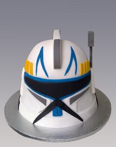 Clone Trooper Mask Cake by Gellyscakes, via Flickr