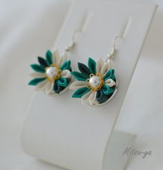 Hey, I found this really awesome Etsy listing at https://www.etsy.com/listing/198547148/tsumami-kanzashi-flower-earrings-forest