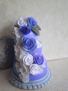 Dollhouse Miniature half scale wedding cake by CSpykersMiniatures, $19.00 SOLD