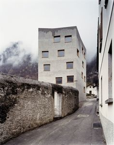 Restoration and extension of the Villa Garbald. Castasegna