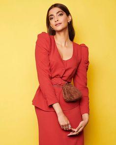 Like It 👍 or Love It 😘 Sonam Kapoor Ahuja looks Super gorgeous Bollywood Photos, Bollywood Saree, Bollywood Celebrities, Bollywood Fashion, Hindi Actress, Tamil Actress Photos, Bollywood Actress, B Fashion, Fashion Models