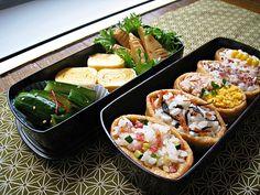 稻荷壽司、竹筍土佐煮、玉子燒、涼拌小黃瓜