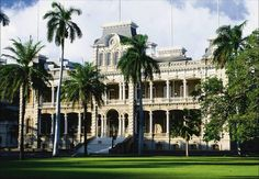 The Iolani Palace-went there on a field trip..memories!!!!