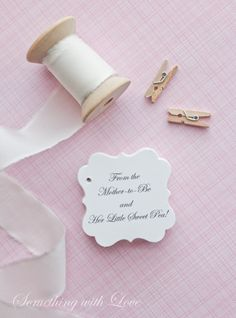 From the Mother-to-Be and her little sweet pea -set of 40 tags #sweetpeafavors #babyshowerfavors #favortags #babyshowerinspiration  www.somethingwithlove.etsy.com