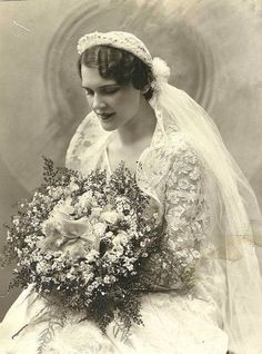 .Beautiful vintage bride.
