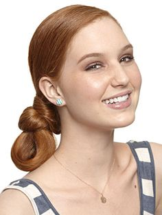 Looped Bun: An Style to Suffice the Desire for Sophisticated Wedding Hairdo