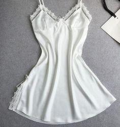Сексуальных женщин летний стиль ночные сорочки бесплатная доставка мини ночное шелковые пижамы с кружевом цветок подтяжки белый дом носить горячий купить на AliExpress