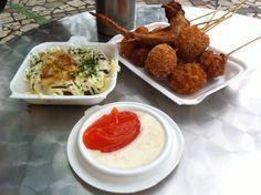 Bánh xèo Nhật, xin we, cánh gà chiên - Công viên Thỏ trắng (chơi bù trung thu 2013, tô tượng pikachu, hồ lô nướng, rainny day :x)