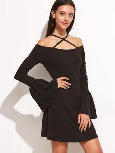 Vestido de manga acampanada con hombros al aire - negro