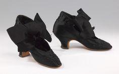 Evening shoes, Costume Institute Medium: silk, glass