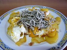 HUEVOS ROTOS CON GULAS (navidad) - YouTube Canapes, Vegan Vegetarian, Menu, Yummy Food, Cooking, Ethnic Recipes, Tortillas, Google, Youtube