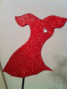 Red Dress Gala - A Phi This pin is just a photo, no other info.  Love this Gala decoration idea!