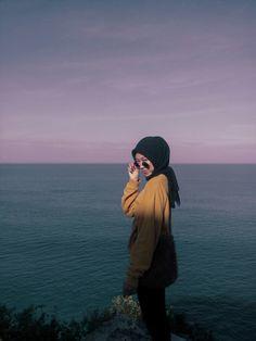 Lihat ide lainnya tentang wanita, gaya, fotografi. 22 Best Hijab Aesthetic Feed Ideas In 2021 Fashion Outfits Hijab Style Casual Casual Hijab Outfit