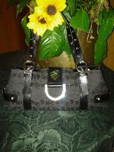 Roca  V cute handbag 4 her pretty purse free ship 4 $ 19.99 size len 9' w 15' straps 8'