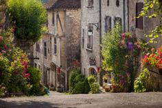 brian jannsen photographe | Early Morning Street View, Saint-Cirq-Lapopie, Midi-Pyrenees, France ...
