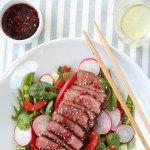 Thaisalat med biff og spicy saus