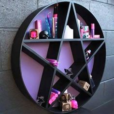 I want the shelf ♥ Pastel†Goth# ♡†♥☠♦✂☢†☪✖☮☯☾▲†