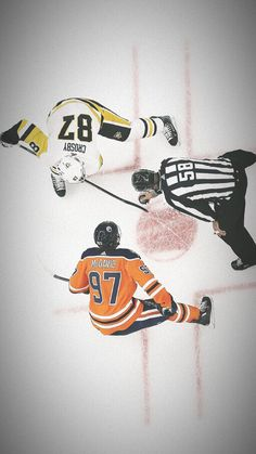 Hockey Pictures, Connor Mcdavid, Edmonton Oilers, American Sports, National Hockey League, Montreal Canadiens, Hockey Players, Nhl, Hockey Stuff