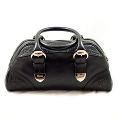 To have a bold and beautiful Gucci Signoria Dome handbag!!