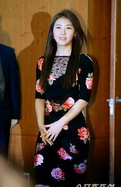 Ha Ji Won Myanmar Traditional Dress, Traditional Dresses, Han Ji Won, Asian Celebrities, China, Korean Actresses, Beauty Photos, Asian Beauty, Korean Beauty