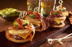 Bacon-Wrapped Cheeseburger RITZwich Summary What's not to love? Appetizer Recipes, Appetizers, Appetizer Dessert, Snack Recipes, Ritz Cracker Recipes, Game Day Food, Bacon Wrapped, Finger Foods, Cooking Recipes