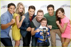 power rangers dino charge   the new Power Rangers Dino Charge cast?! Announced at the 2014 Power ...