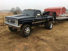 Grove old 1 ton set up Lifted Chevy Trucks, C10 Chevy Truck, Dually Trucks, Old Pickup Trucks, Gm Trucks, Chevy Pickups, Jeep Truck, Chevrolet Trucks, Diesel Trucks