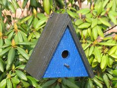 The neighbor birds will envy this new triangle bird house! Be the first to delight your birds with this whimsical, colorful house! Wooden Bird Houses, Bird Houses Painted, Bird Houses Diy, Bird House Plans, Bird House Kits, Bird House Feeder, Bird Feeders, Modern Birdhouses, Homemade Bird Houses