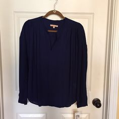 ⚡️New Price⚡️Beautiful & Timeless Navy Blue Blouse Beautiful light weight polyester blend.... navy blue in color!  Sleeves are pleated to give a flowing appearance!  Would look great for summer over white jeans Gibson Latimer Tops Blouses