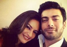 It's a baby girl: #FawadKhan and wife #Sadaf become #parents again